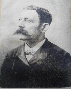 josé Yosse V. Autor de la obra.